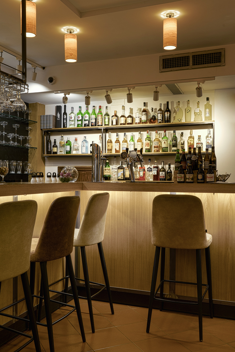 Diversus, wine bar and fish restaurant in Chianti